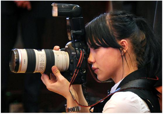 2011年6月,摄影师亚娜<span class=