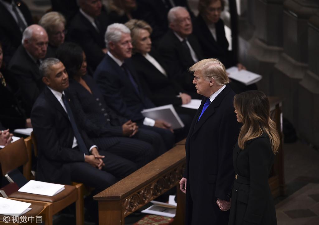 ▲當地時間2018年12月5日,美國華盛頓,美國第41任總統老布什的國葬儀式在華盛頓國家大教堂舉行,包括美國總統川普在內的現任和前任政要等都到場參與。圖/視覺中國