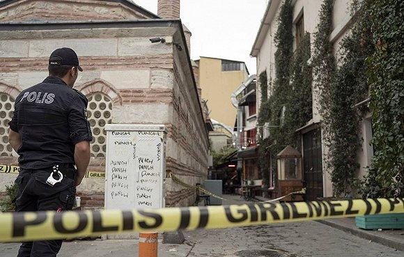 """""""白头盔""""英国创始人在土耳其坠亡,俄罗斯称其与恐怖组织有联系"""