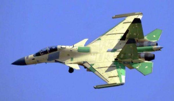 美媒:中国歼15电子战机因飞行安全问题未用国产航发