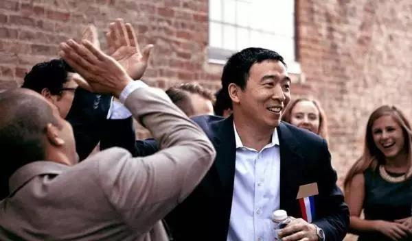 美下届总统竞选人杨安泽:亚裔美国人应为自己发