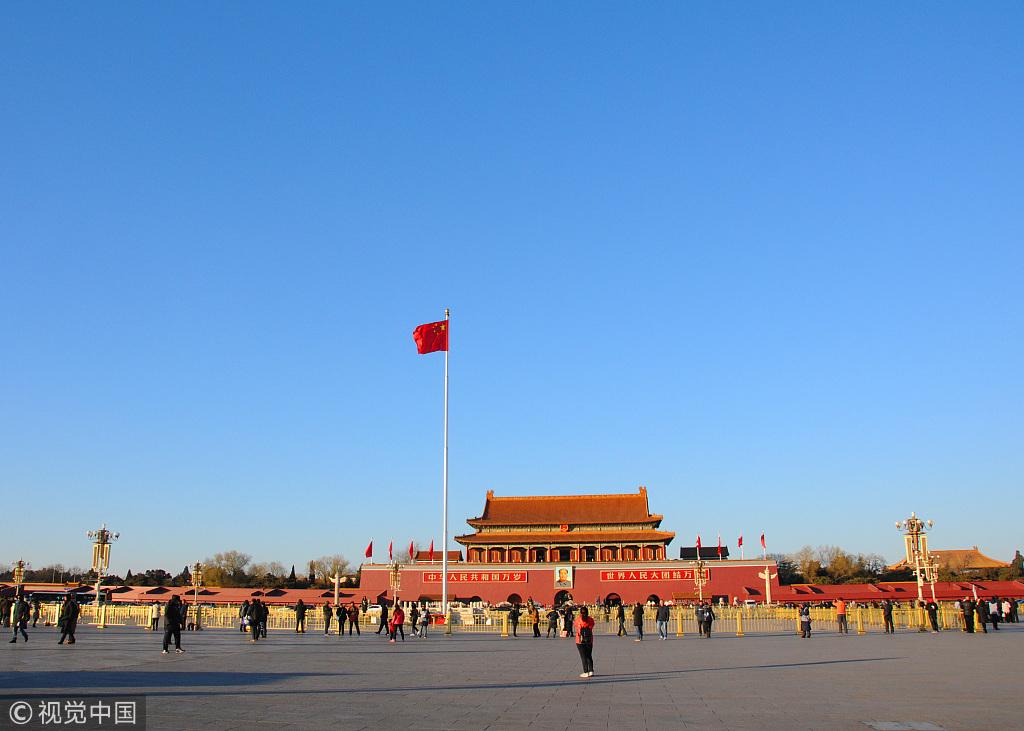 今年冬天北京的蓝天 @视觉中国