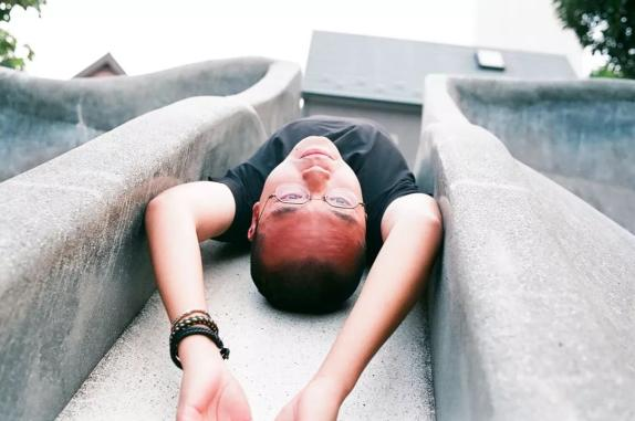 新生代摄影师川岛小鸟:日本拍小萝莉第一人