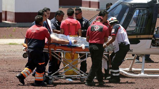 4名消防员和2名警察在救援中阵亡(图:路透)