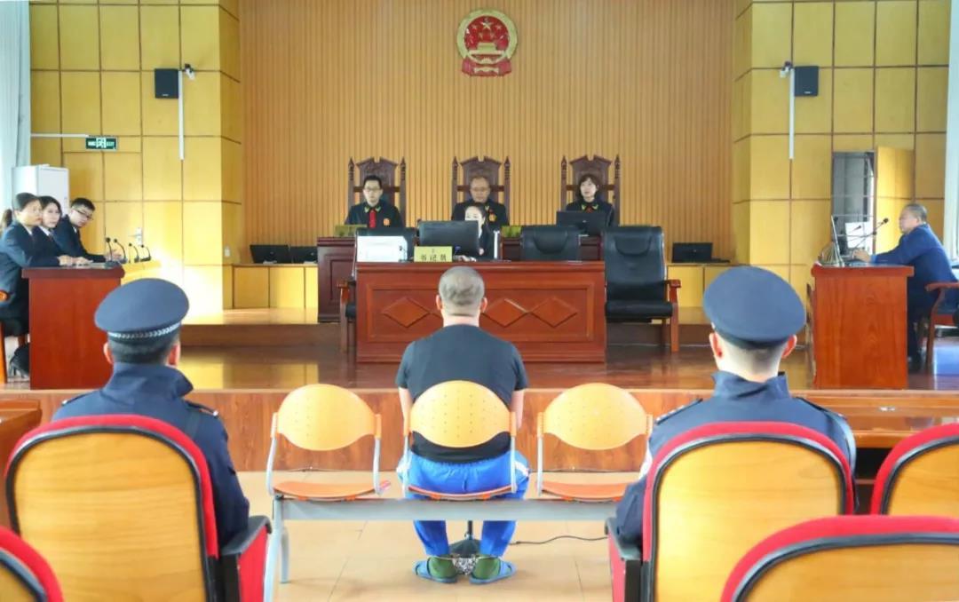 tipico娱乐线_中国重汽董事长下令:所有领导办公室沙发全部取缔