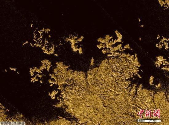 """""""土卫六"""" 全貌地质图亮相 酷似地球或有生命(图)"""