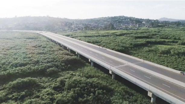 ▲中国帮助乌干达修建的高速公路(路透社)