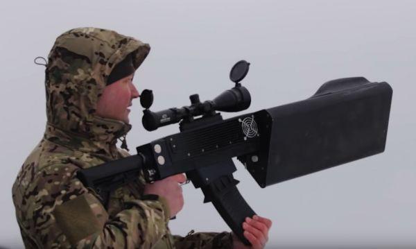 """資料圖片:俄軍演示""""驅蟲器""""反無人機系統。(圖片來源於網絡)"""