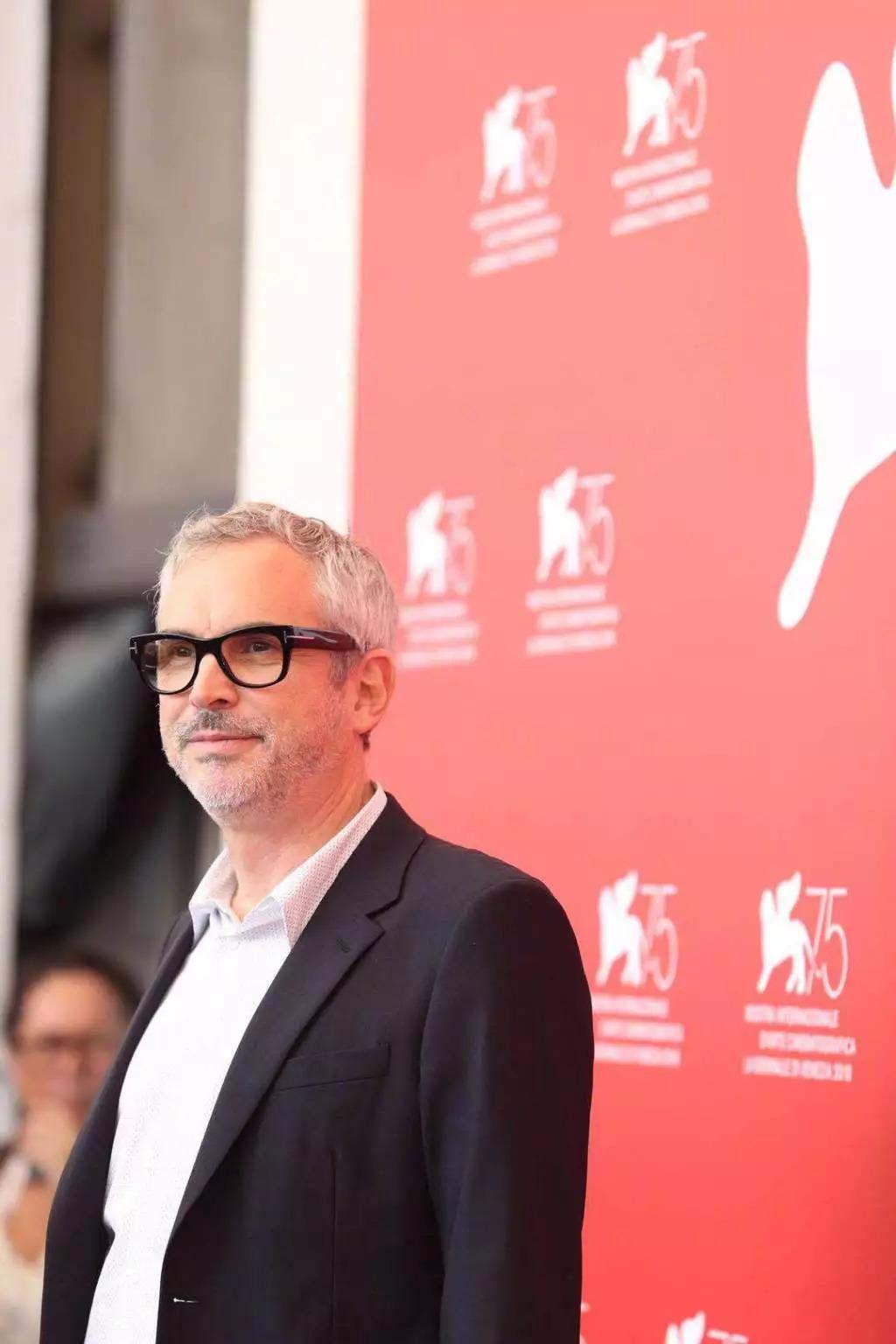 威尼斯电影节上的阿方索·卡隆