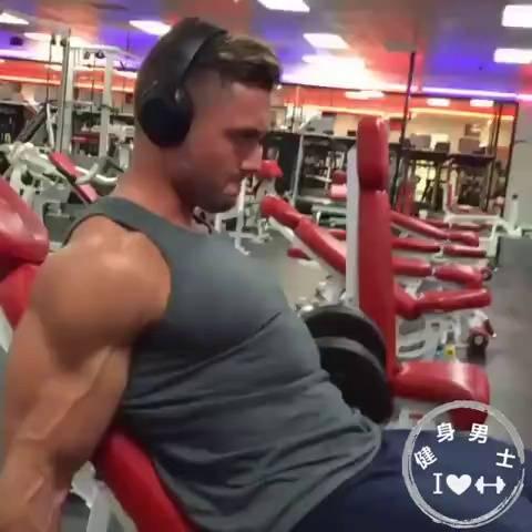 7个最佳肱二头肌训练动作!
