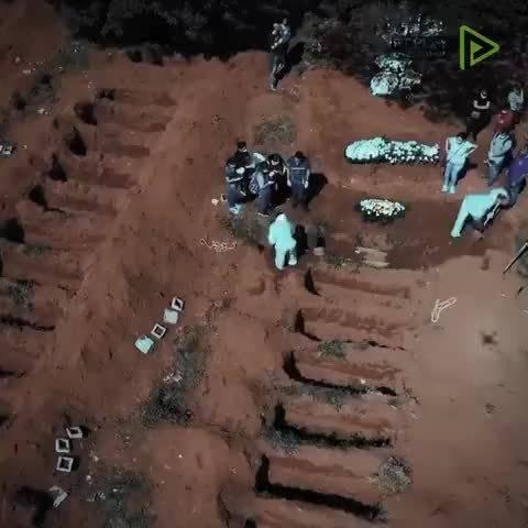 在巴西圣保罗,由于新冠肺炎疫情严重,当地公墓被迫扩大,为此,