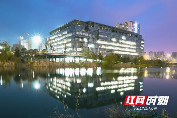 引擎红色丨湖南省建筑设计院:党建促技术室内美式装修设计图片