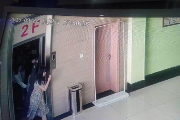 百乐坊娱乐场账号注册|快讯:港股恒指高开1.32% 科技股反弹腾讯大涨2.44%