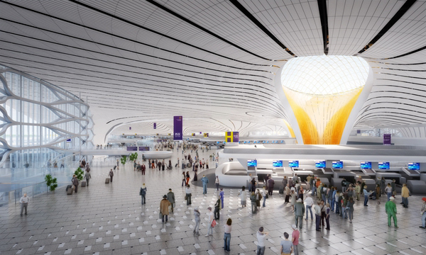 解燃眉之急。北京新机场本期建设70万平方米航站楼和4条跑道,建成后可满足4500万人次年旅客吞吐量。规划2025年再建设约20万平方米卫星厅,届时可满足7200万人次年旅客吞吐量。远期建设南航站楼和2条跑道,可满足年旅客吞吐量1亿人次以上。将给中国航空市场带来巨大增量。 然而,北京新机场绝不仅仅是一件更大的衣服。