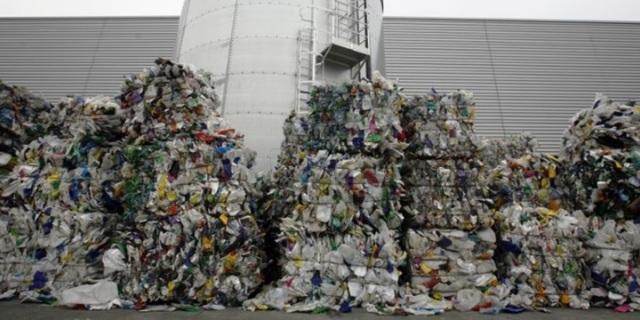 废弃垃圾示意图