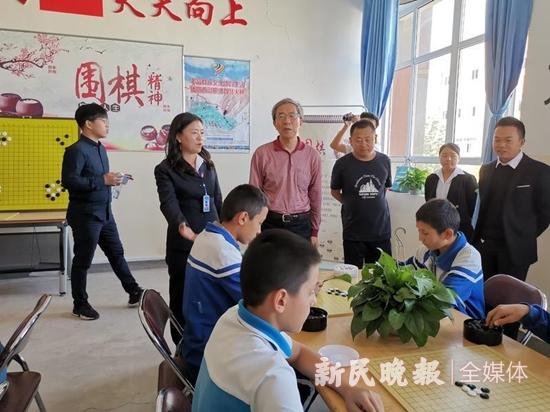 传承文化瑰宝培养未来人才 中国围棋边疆公益行再次走进喀什