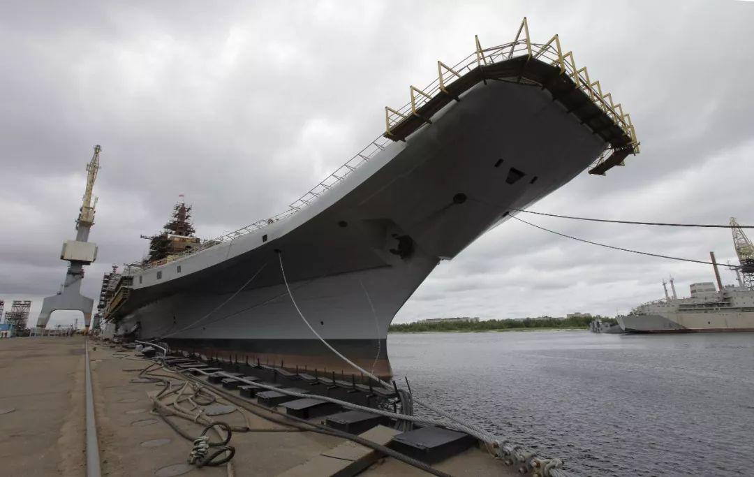 印度要建第三艘航母被批:浪费钱