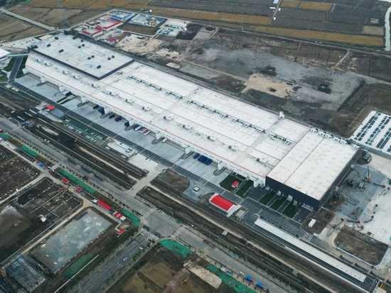 特斯拉与中资银行达成90亿元贷款协议,用于上海厂