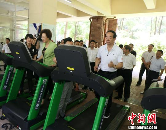 """深圳龙华推社区智慧健身 打造民众身边""""幸福工程"""""""