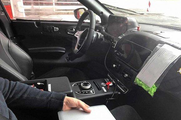新车 | 阿斯顿·马丁推出的第一台SUV 内饰会有哪些惊喜?