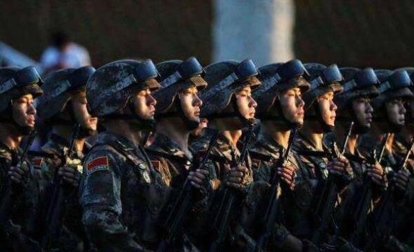 """军媒首提""""国防动员力"""":把动员潜力转化保障实力1976年阴兵过路"""