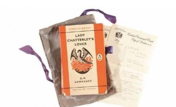 审判《查泰莱夫人的情人》是否为淫秽书籍所用的原书 将在伦敦拍