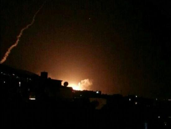 现场图|目击者称大马士革一科研机构是空袭目标该市发生大爆炸