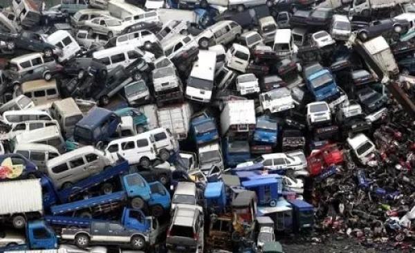 大量报废车改装后带隐患上路:正规回收五百元