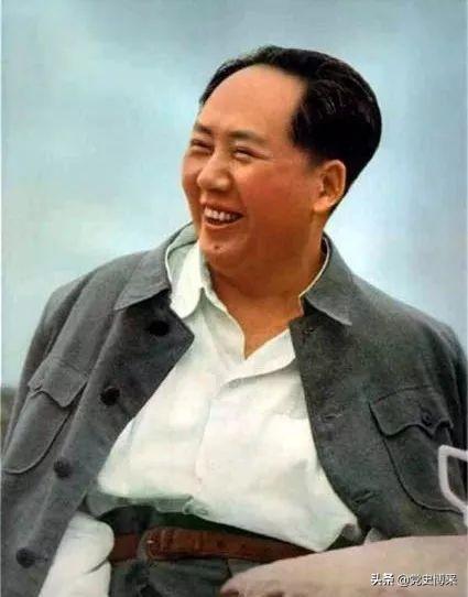"""""""背上驳壳枪,师长见军长"""" 趣看毛泽东幽默的打油诗"""