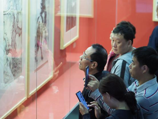 成都武侯祠庆祝新中国成立70周年书画精品回顾展今日开幕