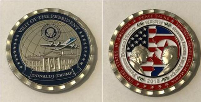 白宫通讯局所发纪念章正面(右)和背面(左)。