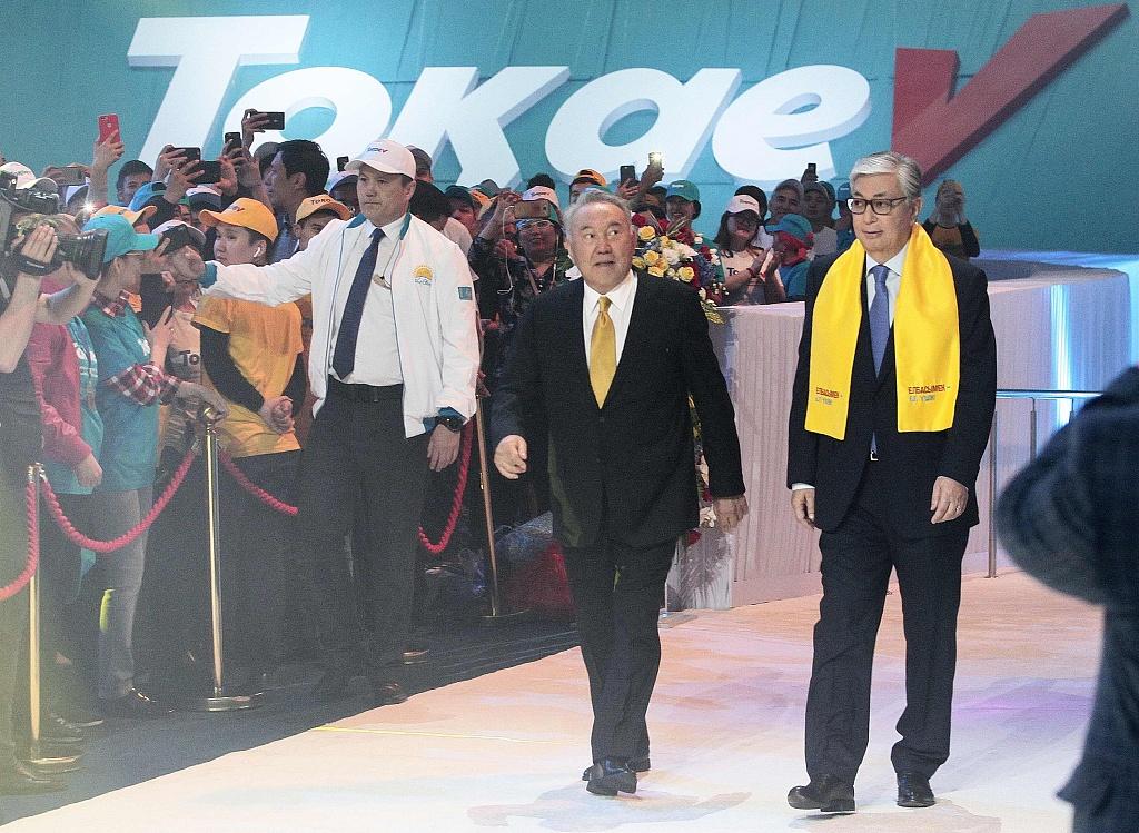哈萨克斯坦总统托卡耶夫签署命令,纳扎尔巴耶夫在部长任命上权力扩大