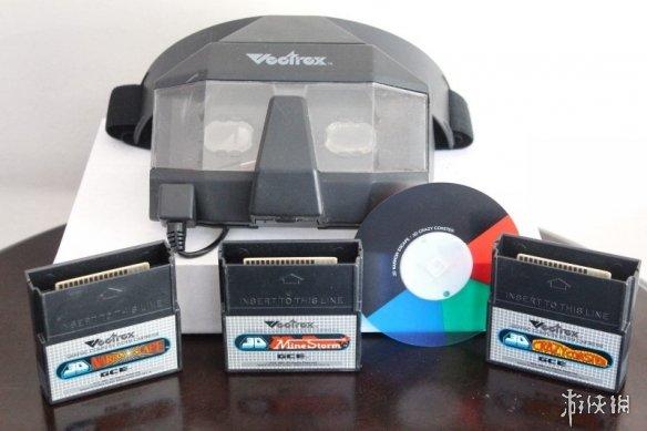 """迷你Vectrex主机玩游戏视频 堪称""""黑科技""""综合体"""