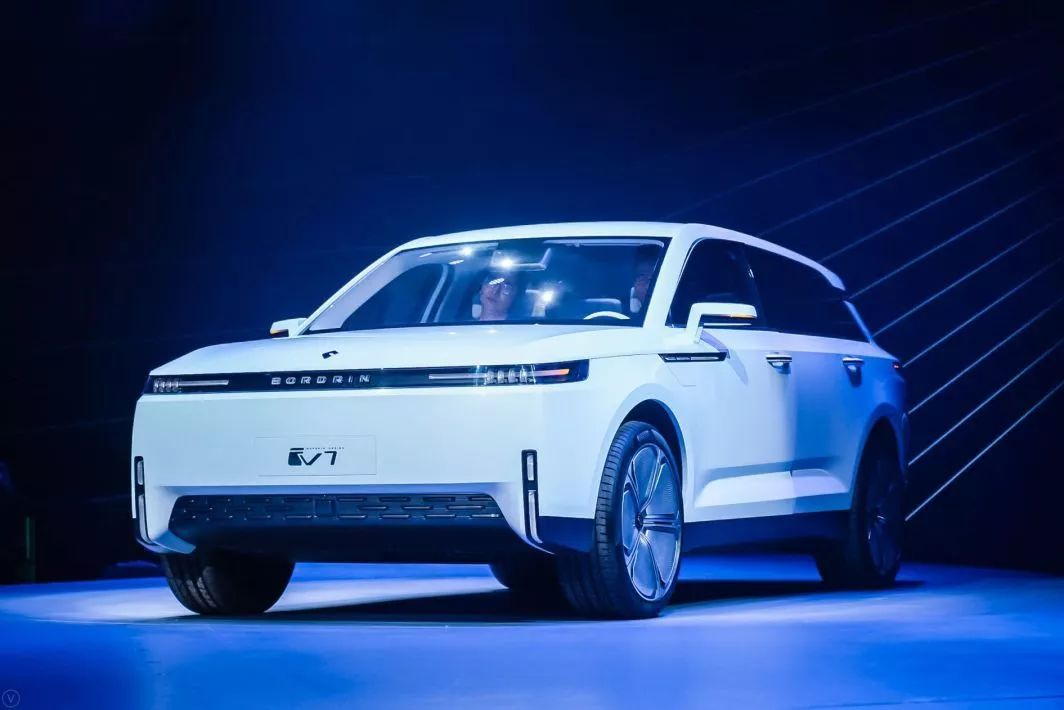 中国又有2台全新SUV亮相,99%的人都还不认识!