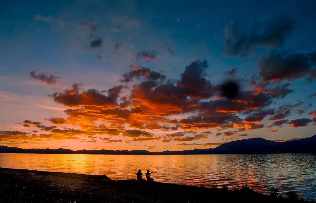 光�z!_中国最长的裂谷湖,竟有1/3在印度手中!