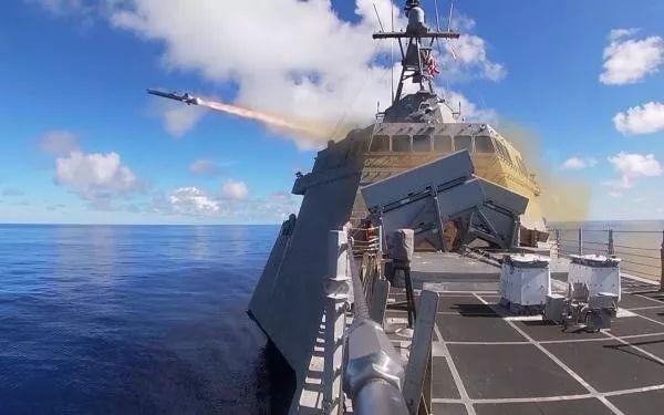 """美式吹嘘:美海军十一试射""""让对手清醒""""的导弹"""