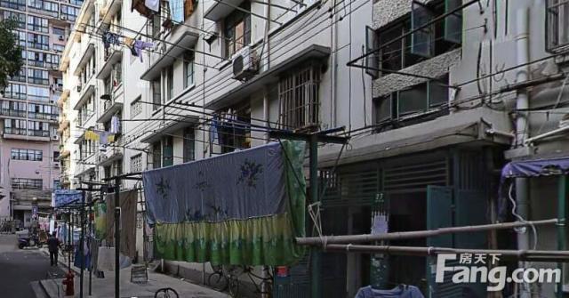 上海超高人气别墅牌楼路公房 VS 金融街静安中心?