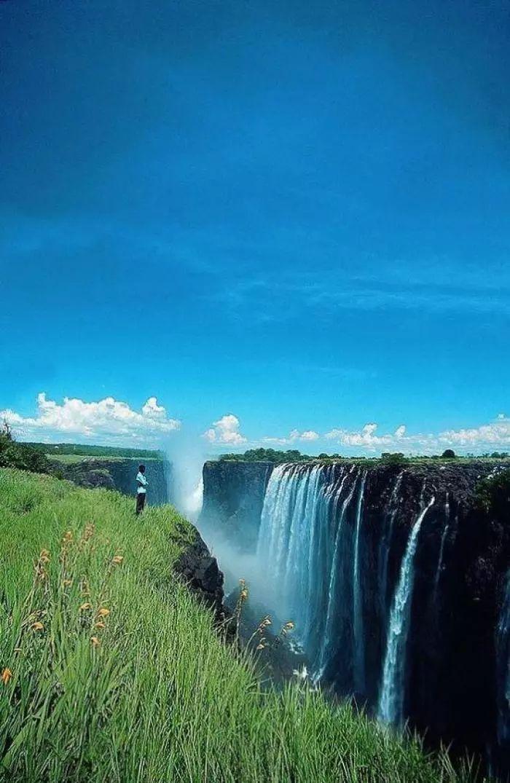 壁纸 风景 旅游 瀑布 山水 桌面 700_1075 竖版 竖屏 手机