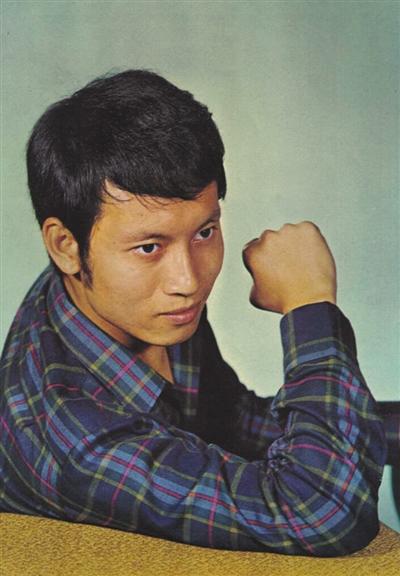 北京时间10月20日TVB前资深艺人岳华在加拿大去世