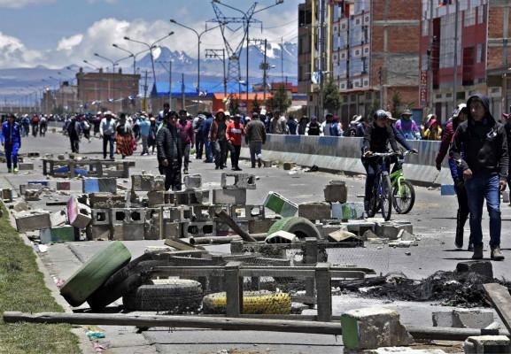 玻利维亚临时总统提交大选草案 前总统表态想参选但也可不选