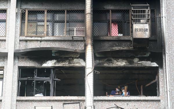 台北医院火灾致9死 朱立伦要求尽快公布起火原因