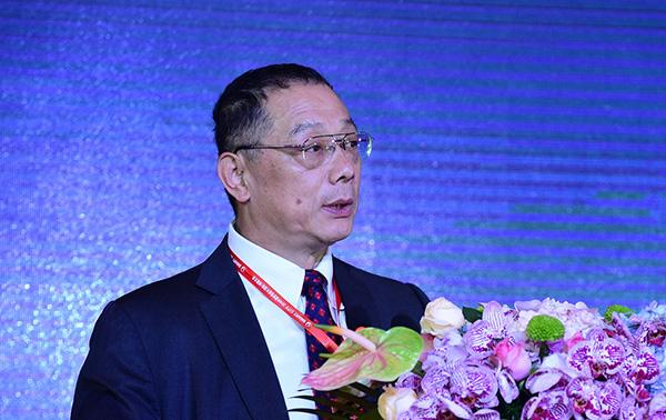 中国城市和小城镇改革发展中心理事长、首席经济学家李铁。东方IC 资料