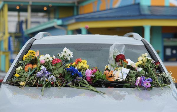 美国游览船沉没死者9人来自同一家庭 有1岁婴儿