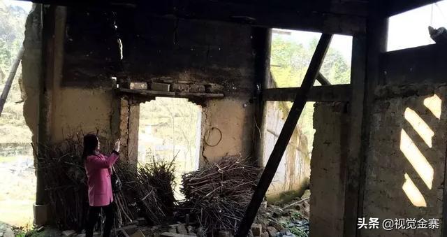 安徽金寨农民别墅新居到处都是,山里百年老宅却不断倒塌消失…
