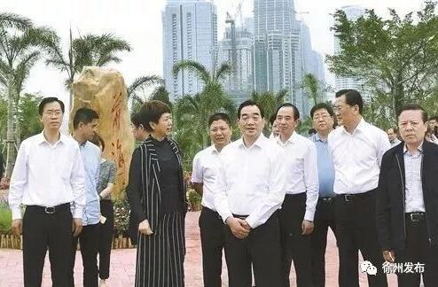 周铁根、庄兆林等在深圳前海蛇口自贸片区考察学习。