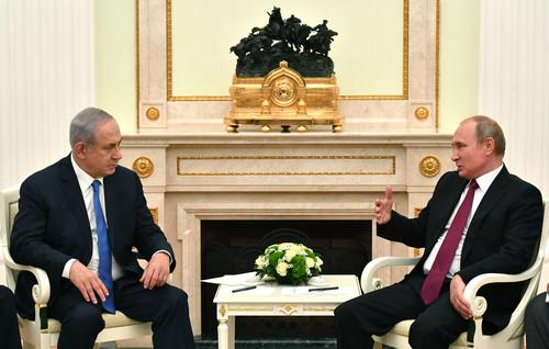 11日,俄羅斯總統普京(右)與以色列總理內塔尼亞胡在克里姆林宮舉行會談。(路透社)