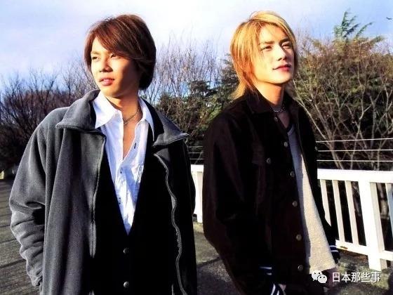 泷&翼于2002年发表CD《Hatachi》出道,当时两人都只有20周岁。