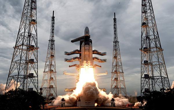 印度月船2号着陆器成功分离 尝试登陆月球南极