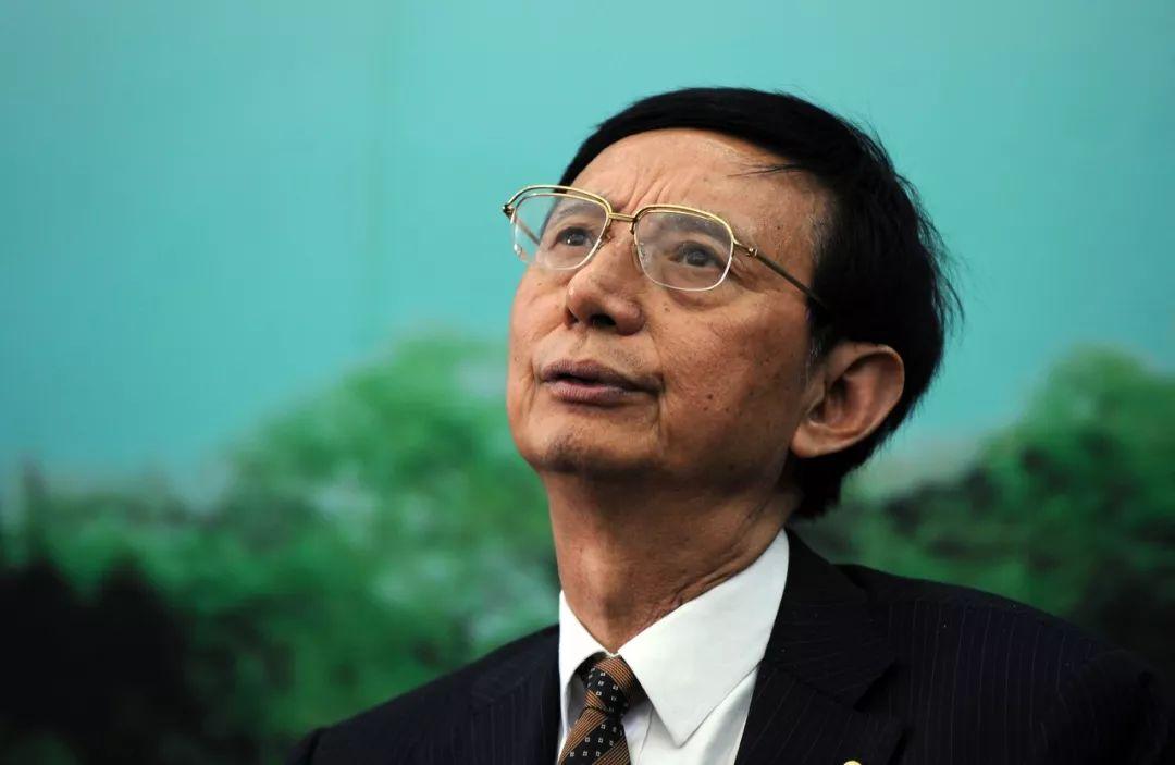 """博狗网上_惠州""""两代表一委员""""律师今年提交提案议案40件"""