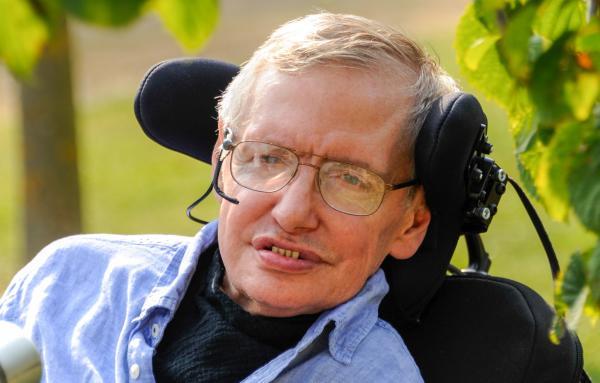英国著名理论物理学家斯蒂芬·霍金(Stephen Hawking) 东方IC 资料